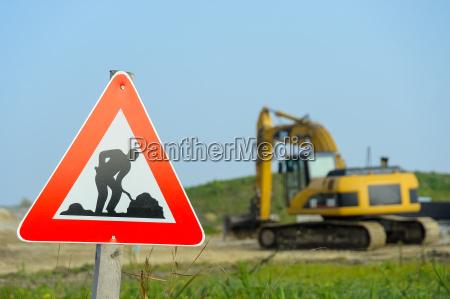 senyal de trafico sitio de construccion