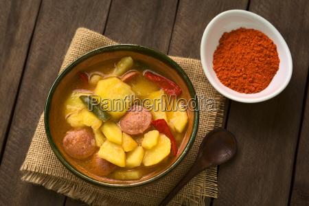 comida salchicha paprika pimientos bockwurst guiso