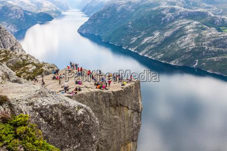 preikestolen roca del pulpito en lysefjorden