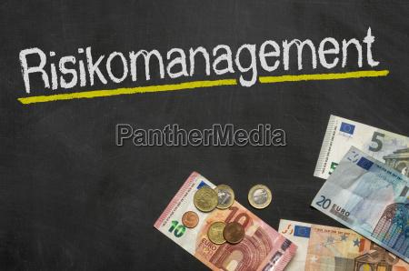 tabla con dinero gestion de