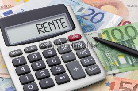 calculadora con los billetes pensiones