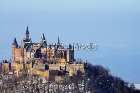 inversion montanya paisaje naturaleza castillo
