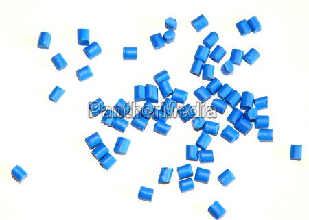 diferentes granulos plasticos de plastico