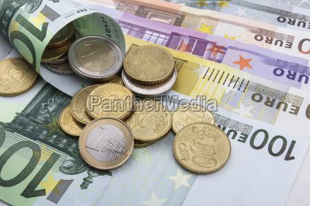 monedas y billetes en euros eur