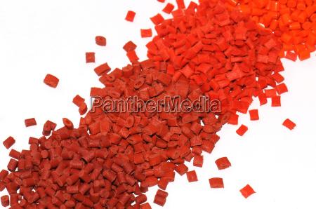 de diferente color granulos de plastico