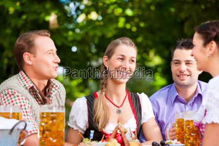 en el jardin de la cerveza