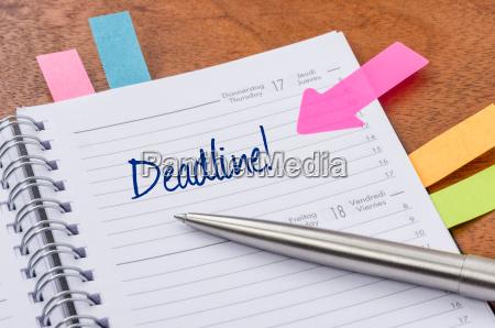 calendario con sugerencia pegatinas fecha limite