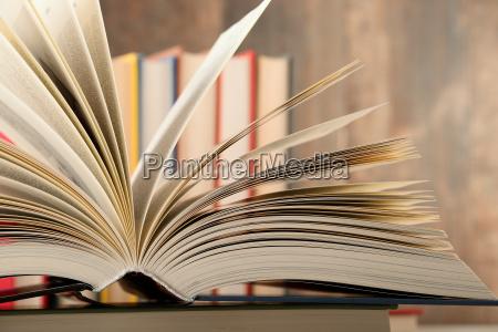educacion aprender biblioteca leer ensenyar libro