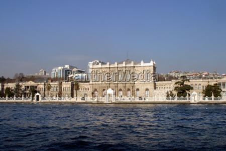 palacio dolmabahce en estambul turquia