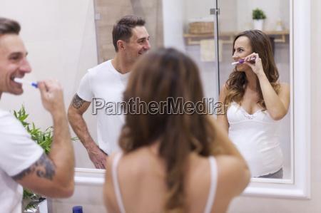 mujer risilla sonrisas femenino pasta dentifrica