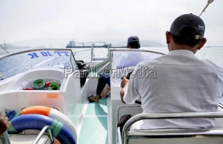 hombres hombre primer plano trafico navegacion