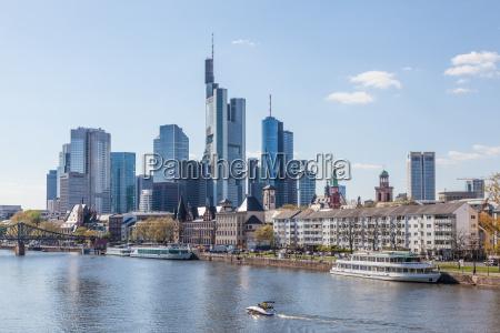 skyline del centro de frankfurt y