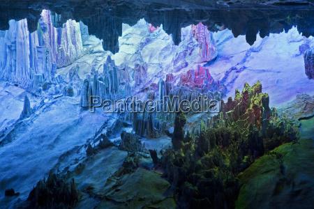 cuevas de flauta de canya maravillosamente