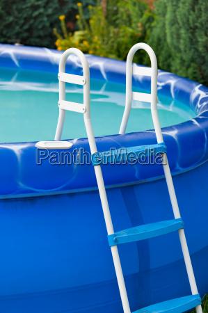 azul relajacion recuperacion enfriamiento piscina escalera