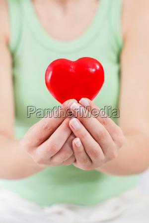 corazon rojo forma salud amor apoyo