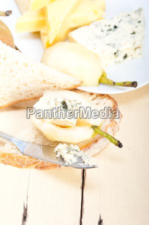 queso y peras
