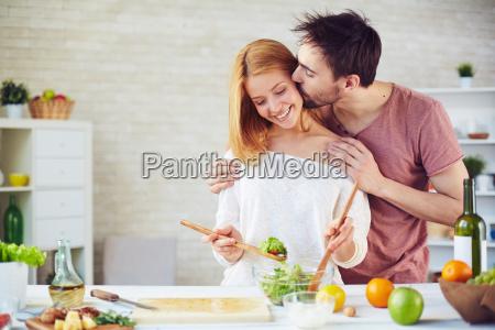 besar y cocinar