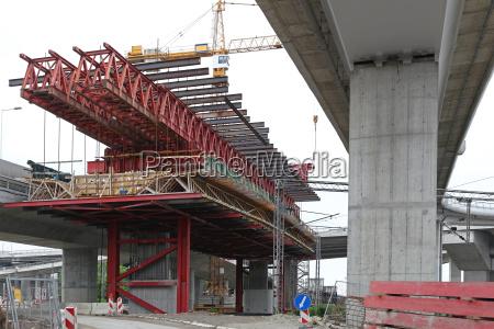 andamios de construccion de puentes