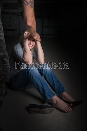 mujer consulta panico crimen victima violencia