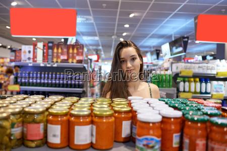 compras de mujer joven