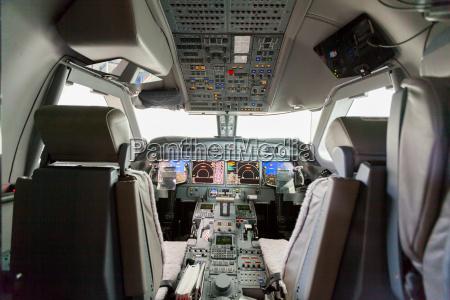 cabina de vista interior g550 con