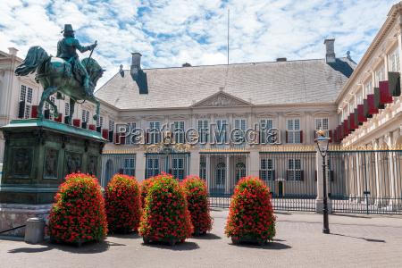 el palacio real de noordeinde en