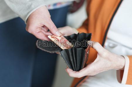 casa de huespedes busqueda bolso talega
