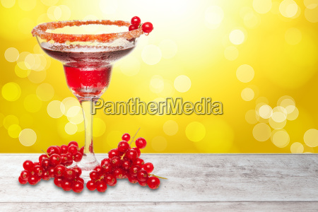 red summer cocktail background