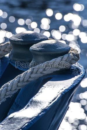azul reflexion contra la luz cuerdas