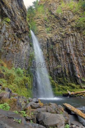 dry creek falls en columbia river