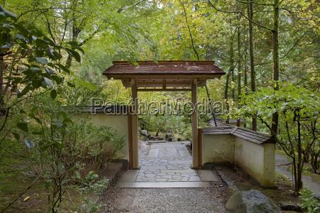 entryway at japanese garden