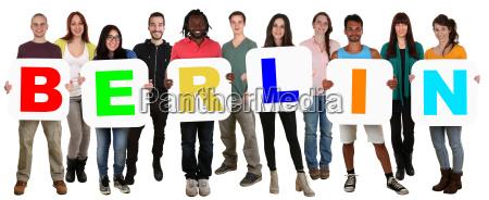 grupo gente joven gente multicultural mantener