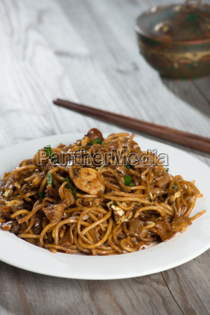 fried penang char kuey teow que