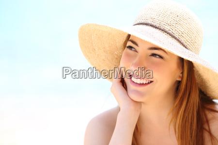 mujer de belleza con dientes blancos
