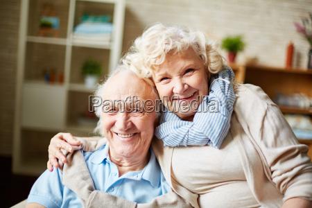 marido y mujer mayores