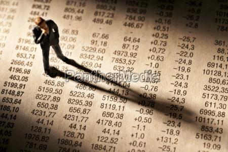 staht broker en una tabla con