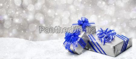 regalos de navidad en azul y