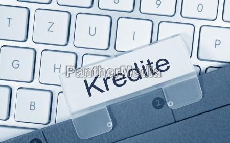 carpeta de credito en el teclado