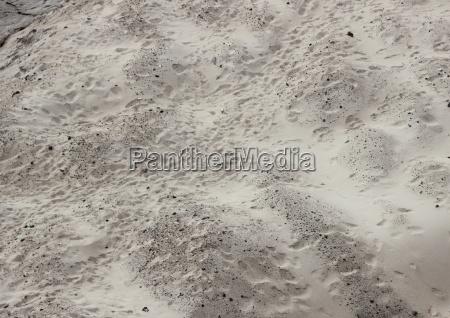 duna de arena con huellas no