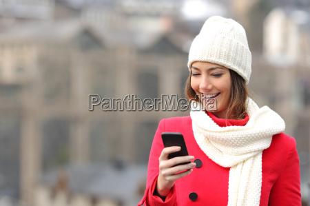 texting en un telefono movil en