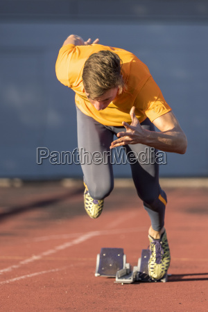 sprint start en atletismo