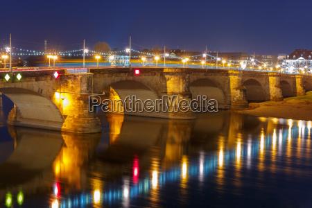 augustus bridge elba en la noche