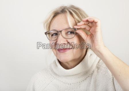 mujer risilla sonrisas cara retrato ojos