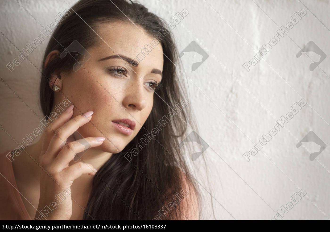 hermosa, mujer, sensual, en, retrato, frente - 16103337
