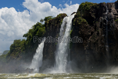 hermoso bueno flujo parque poder cascada