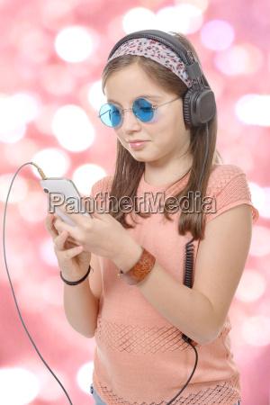 chica, preadoen, escuchando, música, con, su - 16339409