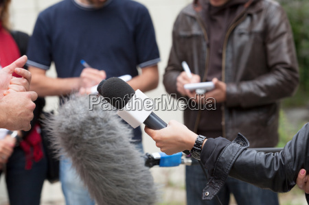 entrevista a los medios periodistas