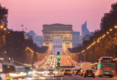 arco del triunfo campos eliseos paris