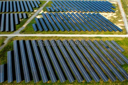 solar panels solar farms