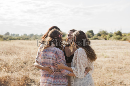amistad campo caucasico europeo libertad afecto